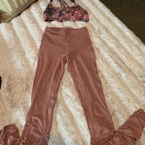 Sale!Lululemon leggings and sport bra